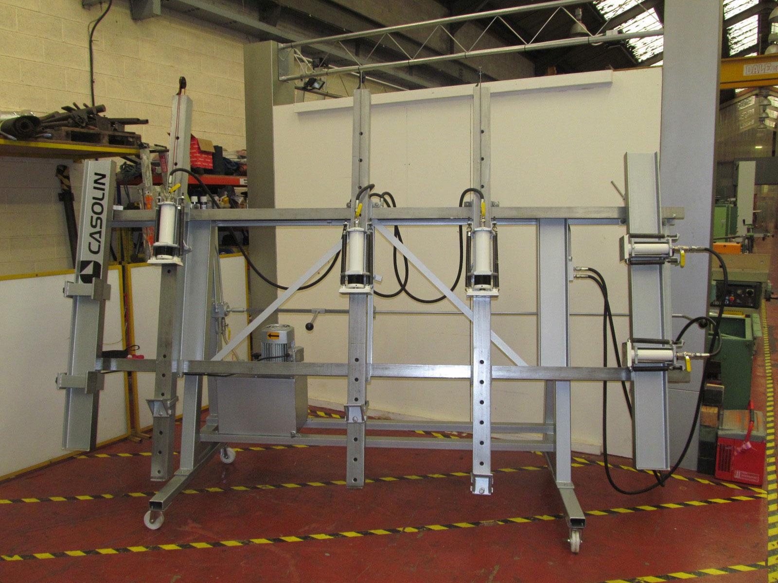 Casolin Vertical window and door frame press